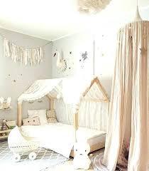 decoration chambre fille papillon deco chambre fille bebe lit bebe deco bacbac montessori