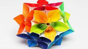 créer des fleurs en papier crépon géantes déco maison jardin