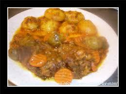 cuisine à la cocotte minute tajine de boeuf choux de bruxelles carottes pommes de terres en