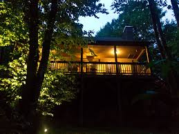 tranquil treehouse on 2 5 acres affordable vrbo