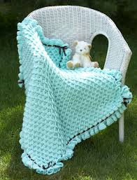 bernat crocodile stitch baby blanket crochet pattern yarnspirations