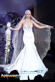 lee honey steals the spotlight in tight wedding dress hancinema