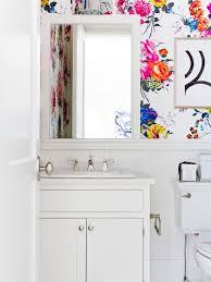 30 gorgeous wallpapered bathrooms