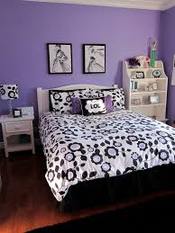 Black And White Wall Decor For Bedroom Bedroom Cozy Teen Purple Bedroom Ideas With White Floral Covering