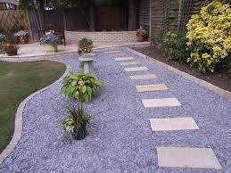 Walkway Ideas For Backyard by The 25 Best Paving Stones Ideas On Pinterest Paving Stone Patio
