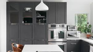 what paint color goes best with gray kitchen cabinets 21 ways to style gray kitchen cabinets