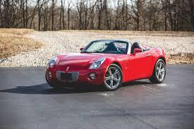 pontiac sports car want a nearly new pontiac solstice here u0027s your chance