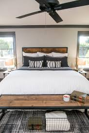 Bachelor Pad Bedroom A Fixer Upper Bachelor Pad Get Chip Jo U0027s Single Guy Design Tips