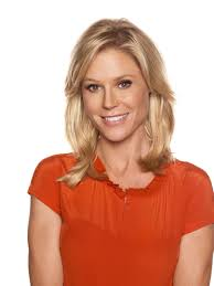 modern family hairstyles mom to food allergy kid julie bowen from the tv show modern family