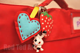 make key rings images Felt heart ornament craft gifts kids can make jpg