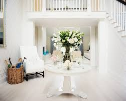 Round Table Decor Design Ideas Round Foyer Table With Floral Arrangements White