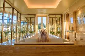 Best Bathtubs The 15 Best Hotel Bathtubs Around The World The Road Les Traveled
