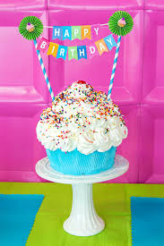 easy and free printable birthday banner u0026 love this cake going to