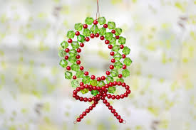 Easy Beaded Christmas Ornaments - cute craft ideas on how to make mini beaded christmas wreath