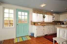 Cottage Kitchen Island Cottage Kitchen With Stone Tile U0026 White Kitchen Cabinets In