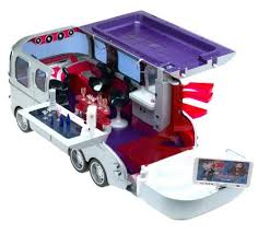 fan van party bus amazon com bratz flashback fever retro ride van toys games
