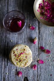 Romantic Bedroom Ideas With Rose Petals Best 25 Dried Rose Petals Ideas On Pinterest Rose Petals
