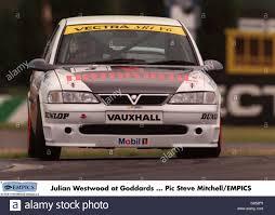vauxhall vectra sri motor racing vauxhall vectra sri v6 challenge donnington park