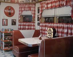 Vintage Style Kitchen Curtains by Best 20 50s Diner Kitchen Ideas On Pinterest 1950s Diner Diner