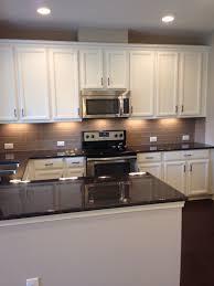 white kitchen cabinets with taupe backsplash hausratversicherungkosten best ideas excellent brown