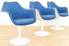 Esszimmerst Le Leder Blau Mid Century Tulip Armlehnstuhl In Blau Und Weiß Von Eero Saarinen
