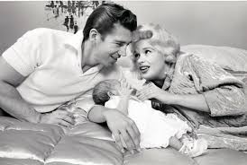 Jane Mansfield Lovely Photos Show Everyday Life Of Jayne Mansfield With Her