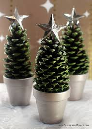 table decorations with pine cones pine cone christmas trees diy crafts for moms christmas