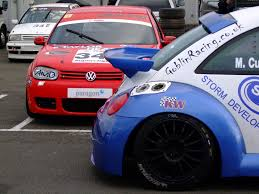 volkswagen beetle race car vw boys are back in 6 hour relay race evvo co uk