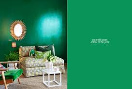 pantone color of the year emerald green style