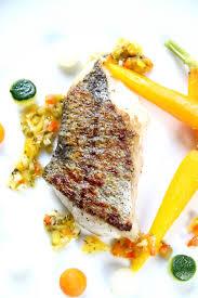 cuisiner du merlu filet de merlu sauce méditerranéenne et ses carottes fanes