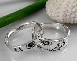 his and hers wedding bands his and hers wedding rings etsy