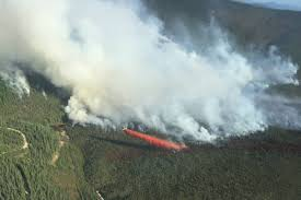 Wildfire Bc Area by B C Firefighters Join Battle Against Wildfire South Of Dawson