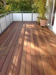 holzdielen balkon balkon in ipe holz terrassendielen holzterrassen hartholz