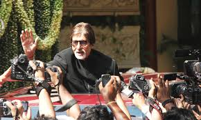 amitabh bachchan interacting with fans and media on his 70th