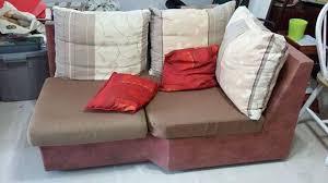 donner un canapé a donner canapé d angle et commode en formica annonce meubles et