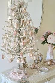 Shabby Chic Decorating Tips by Charming Shabby Chic Christmas Decorating Ideas