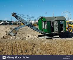 shovel excavator stock photos u0026 shovel excavator stock images alamy