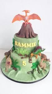 dinosaurs cakes walking with dinosaurs cake lorrie dinosaur cake