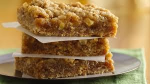 easy caramel apple bars recipe bettycrocker