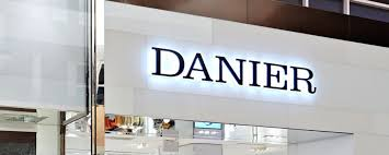 danier leather outlet danier leather closing all stores redflagdeals