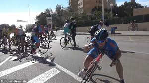 cycling wind video shows spanish cycle racers emerge into a 60mph headwind that