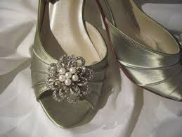 wedding shoes green wedding shoes green bridal shoes vintage pearl flower design