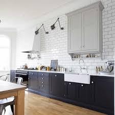 cuisine metro carrelage métro blanc dans la cuisine et la salle de bains