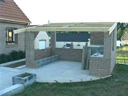 construction cuisine d été extérieure cuisine d ete bois cuisine d ete en bois briques four frigo