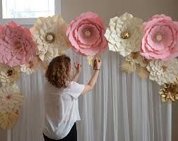 wedding backdrop tutorial paper flower tutorial paper flower backdrop paper flower