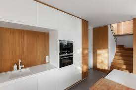 cuisine lambris design interieur cuisine bois blanc lambris bois clair carrelage