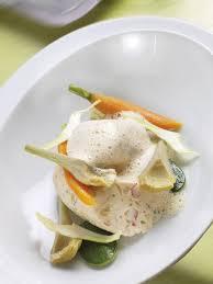 cuisiner le boudin blanc boudin blanc de homard aux petits légumes émulsion coraillée