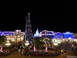 magic kingdom christmas lights mickey s most merriest christmas party at disney world
