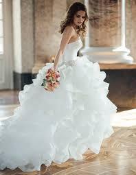 brautkleid figurbetont brautkleid berlin du suchst dein brautkleid la divina