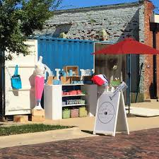 le pop up birmingham couple traveling the state with shipping